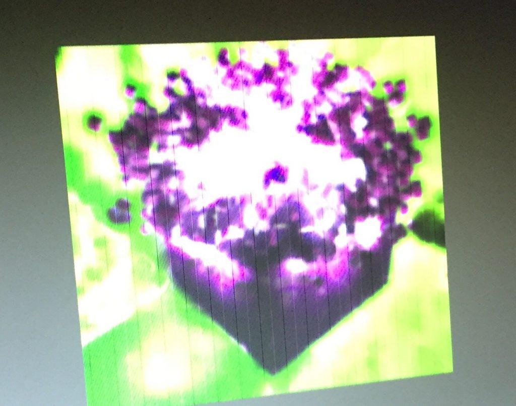pour appuyer ces dires l'utilisateur a publié la photo du cube en train d'exploser